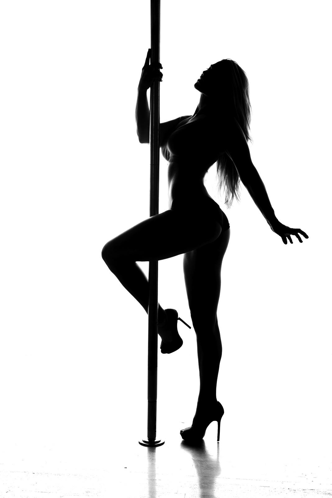 mary pole dance 2013-11web.jpg