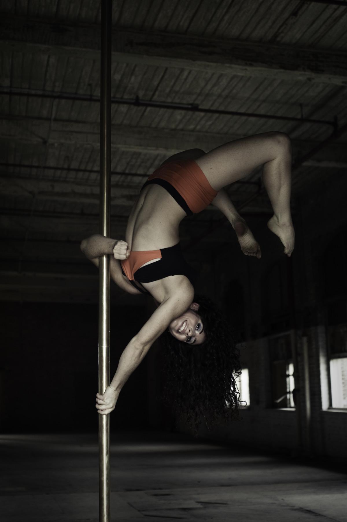 quenby pole dance oblique-8.jpg