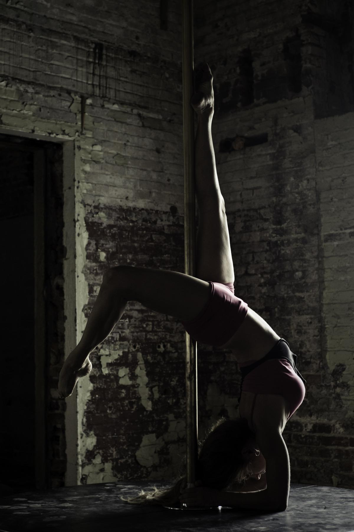 martha pole dance oblique.jpg