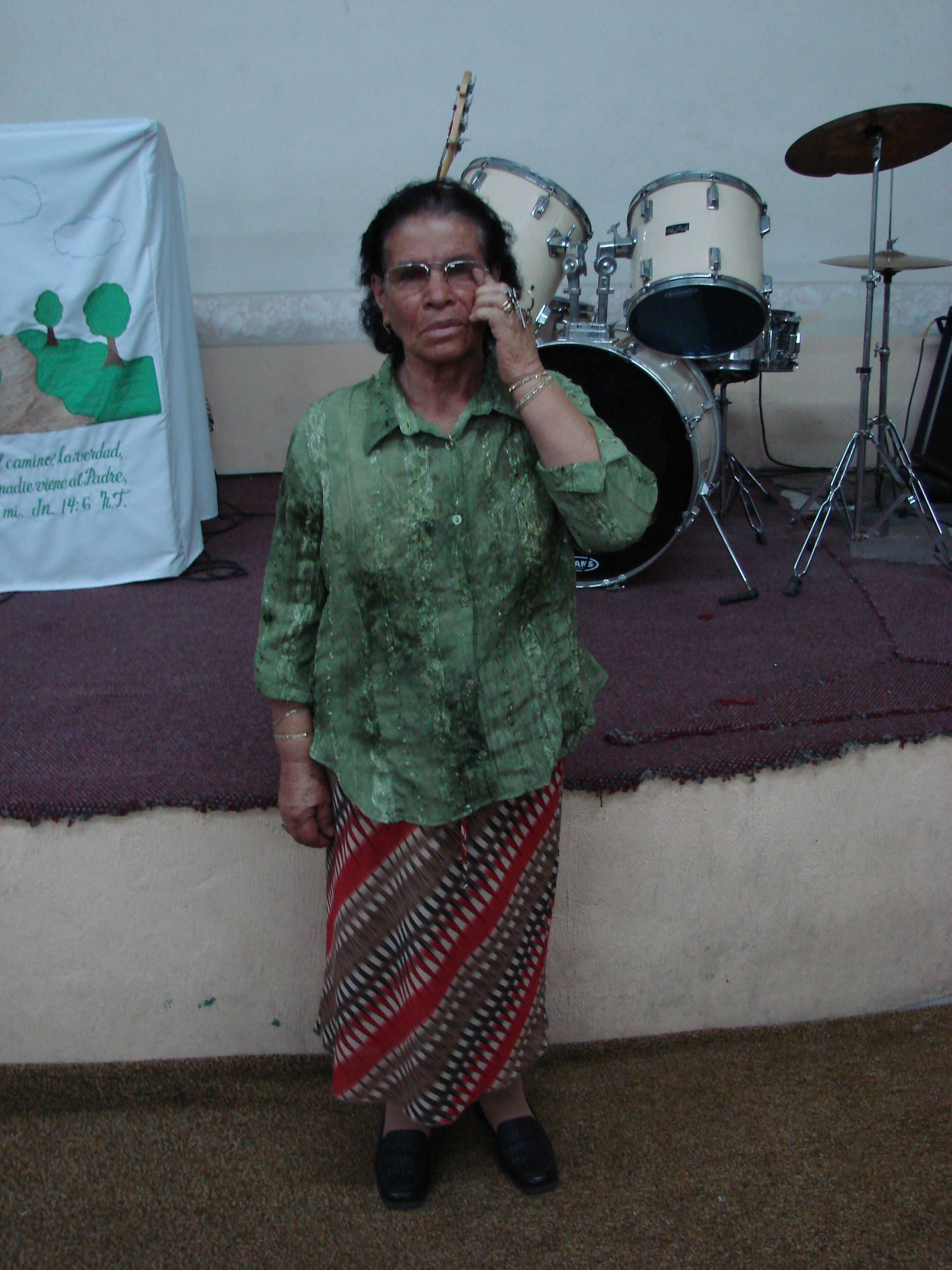 This lady in Mexico had gone blind in one eye but when she prayed to the Lord in faith she was healed.
