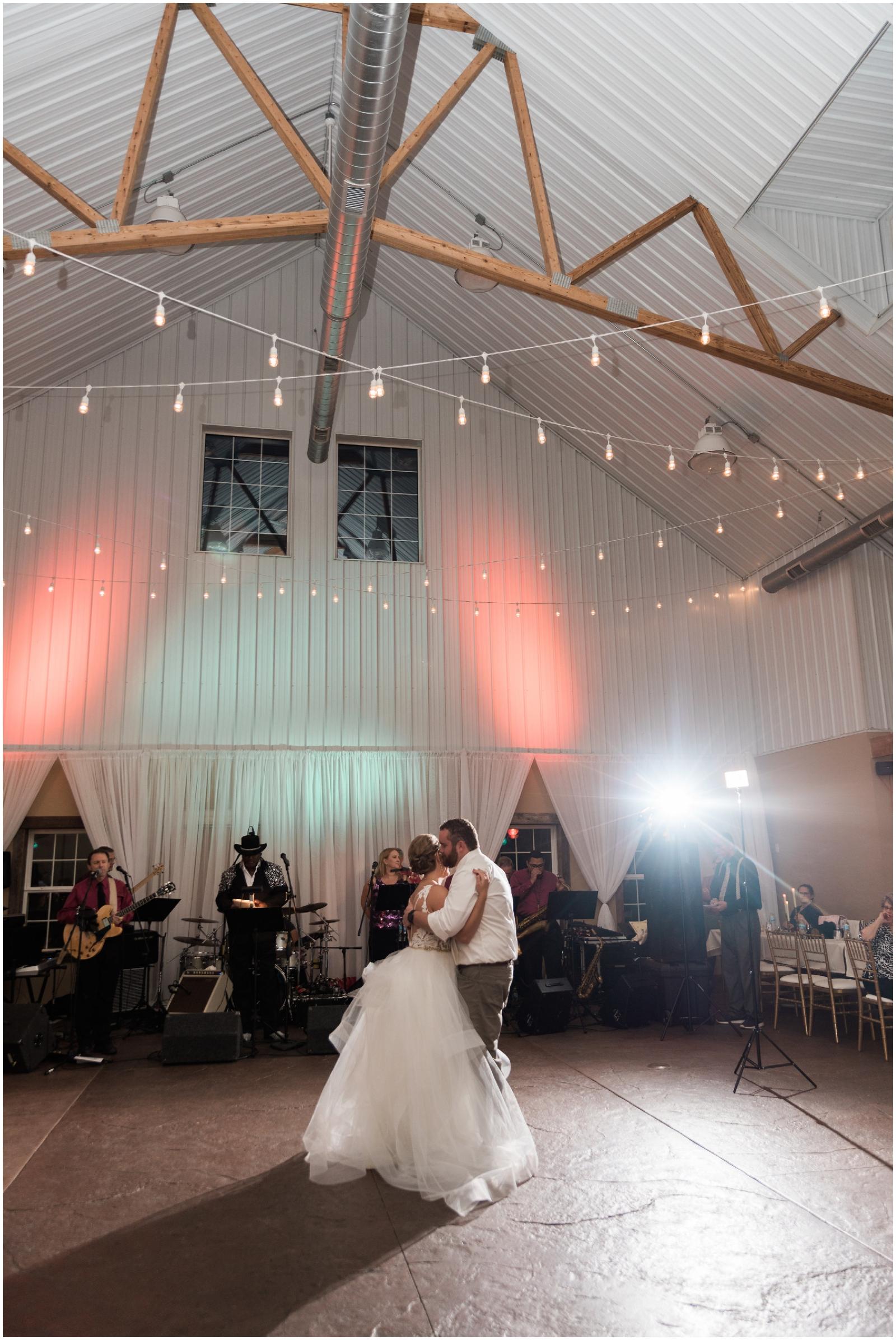 Minnesota-Wedding-Venue- Chaska-MN-Rustic-Barn-Weddings_0574.jpg