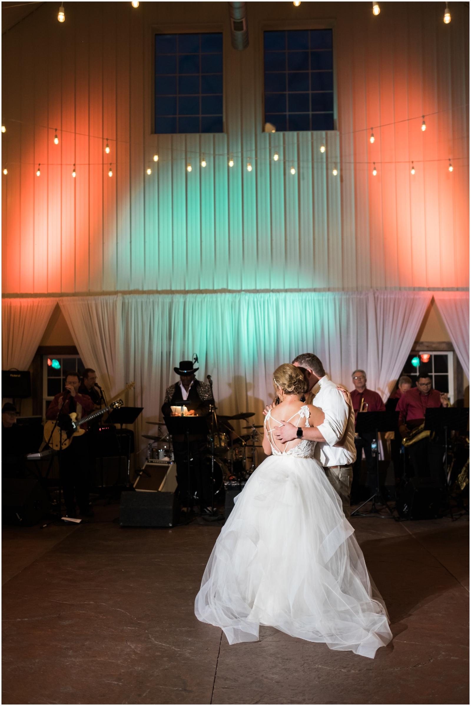 Minnesota-Wedding-Venue- Chaska-MN-Rustic-Barn-Weddings_0607.jpg