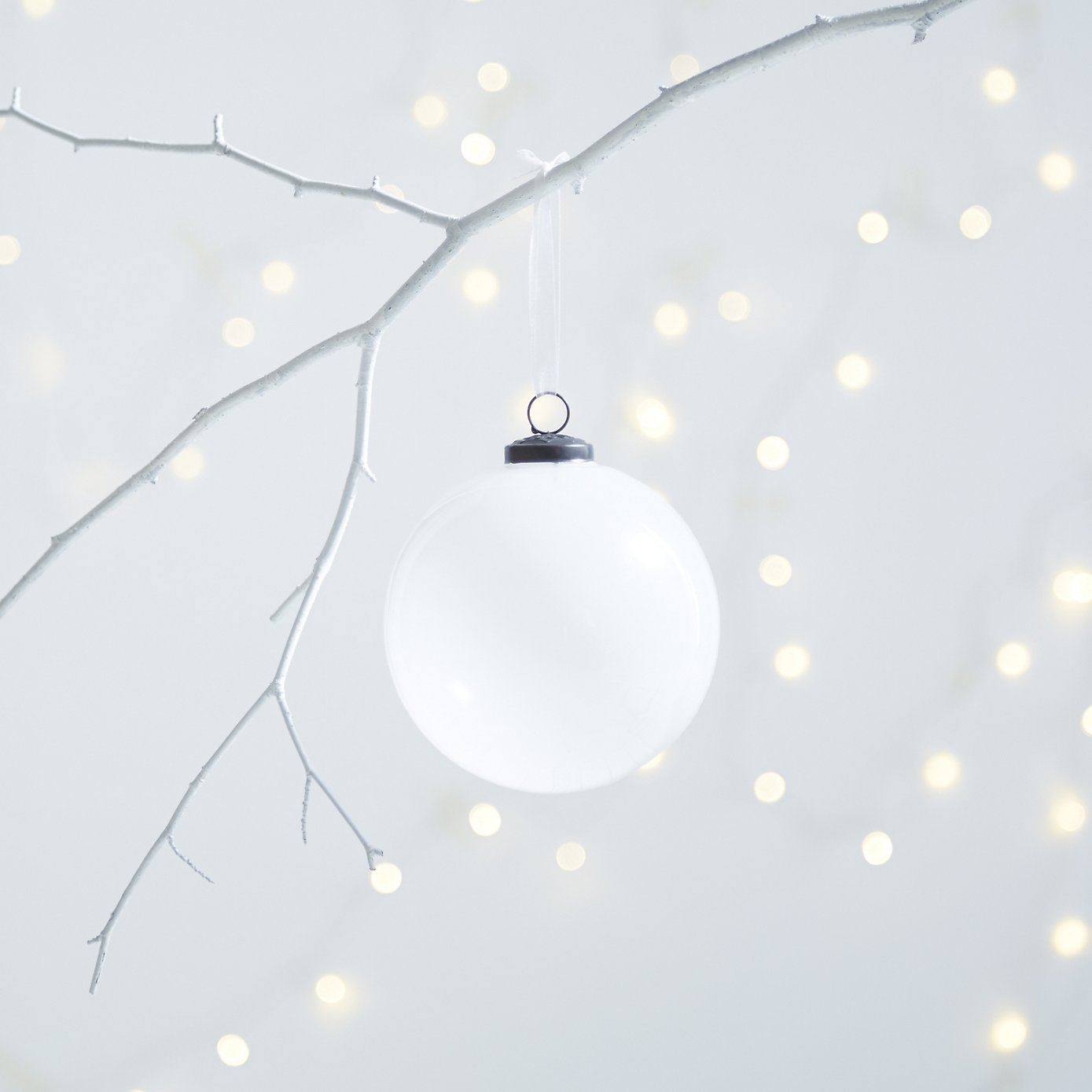 Frosty Bauble