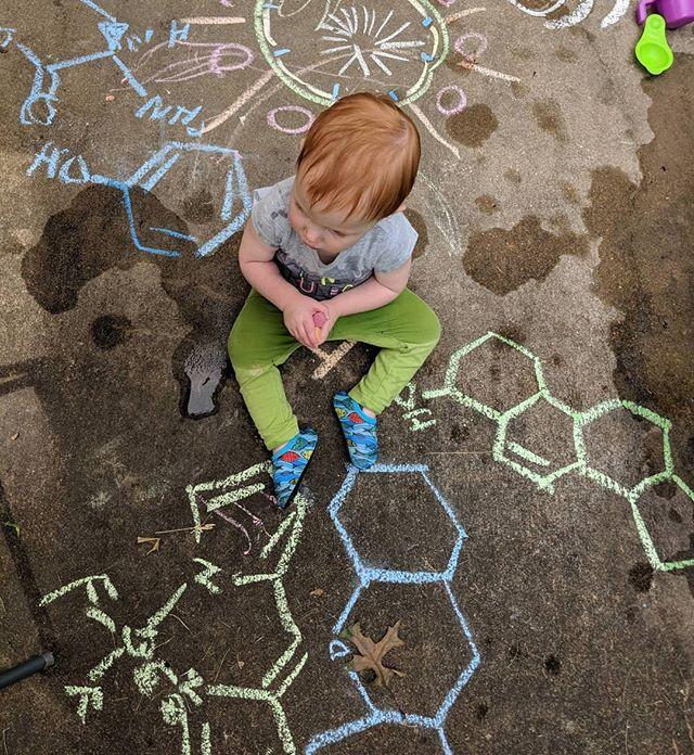 Orgobaby #organicchemistry #chalk #colorfulchemistry