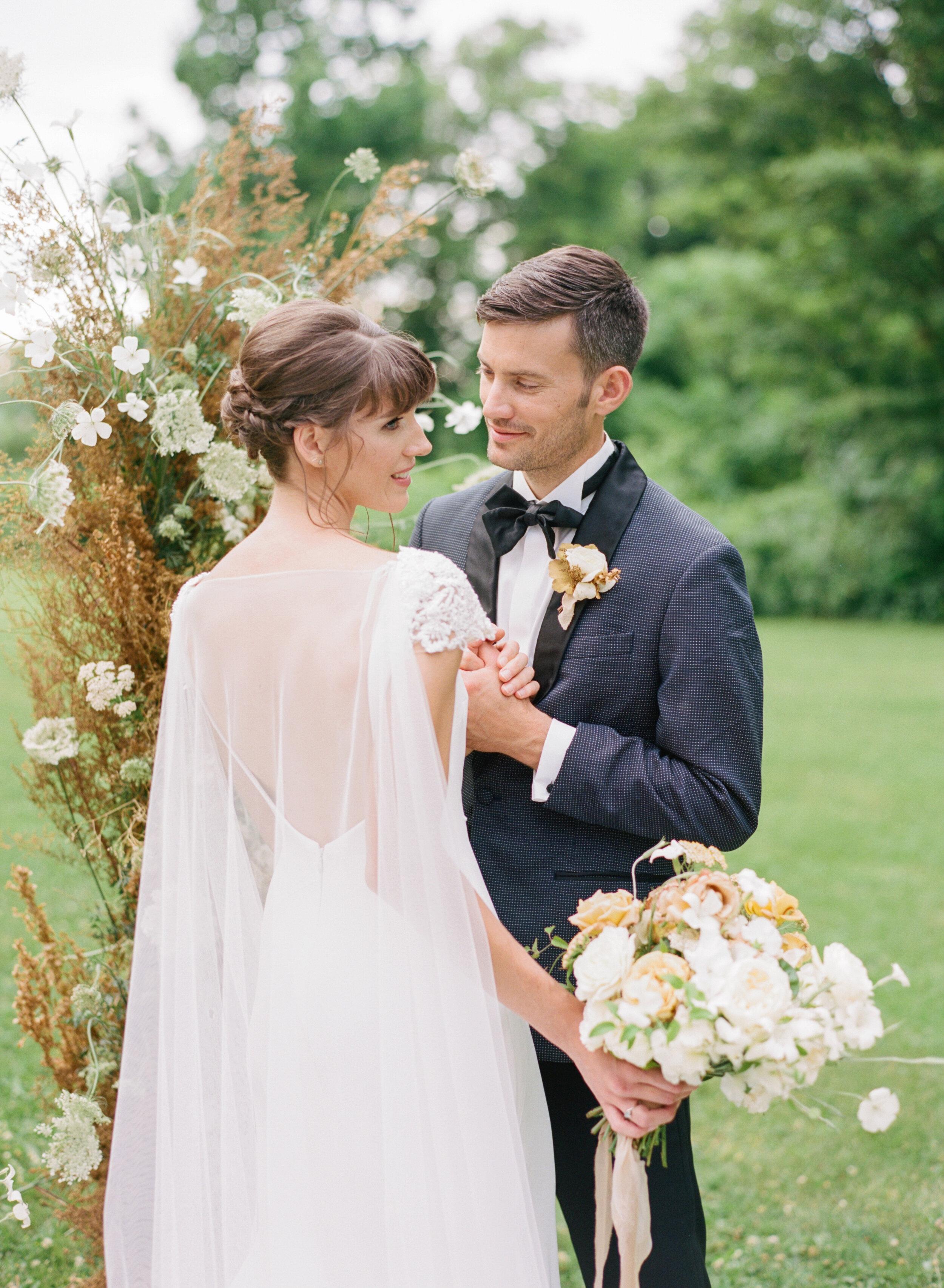 alexandra-meseke-understated-soft-luxury-wedding-upstate-ny_0111.jpg