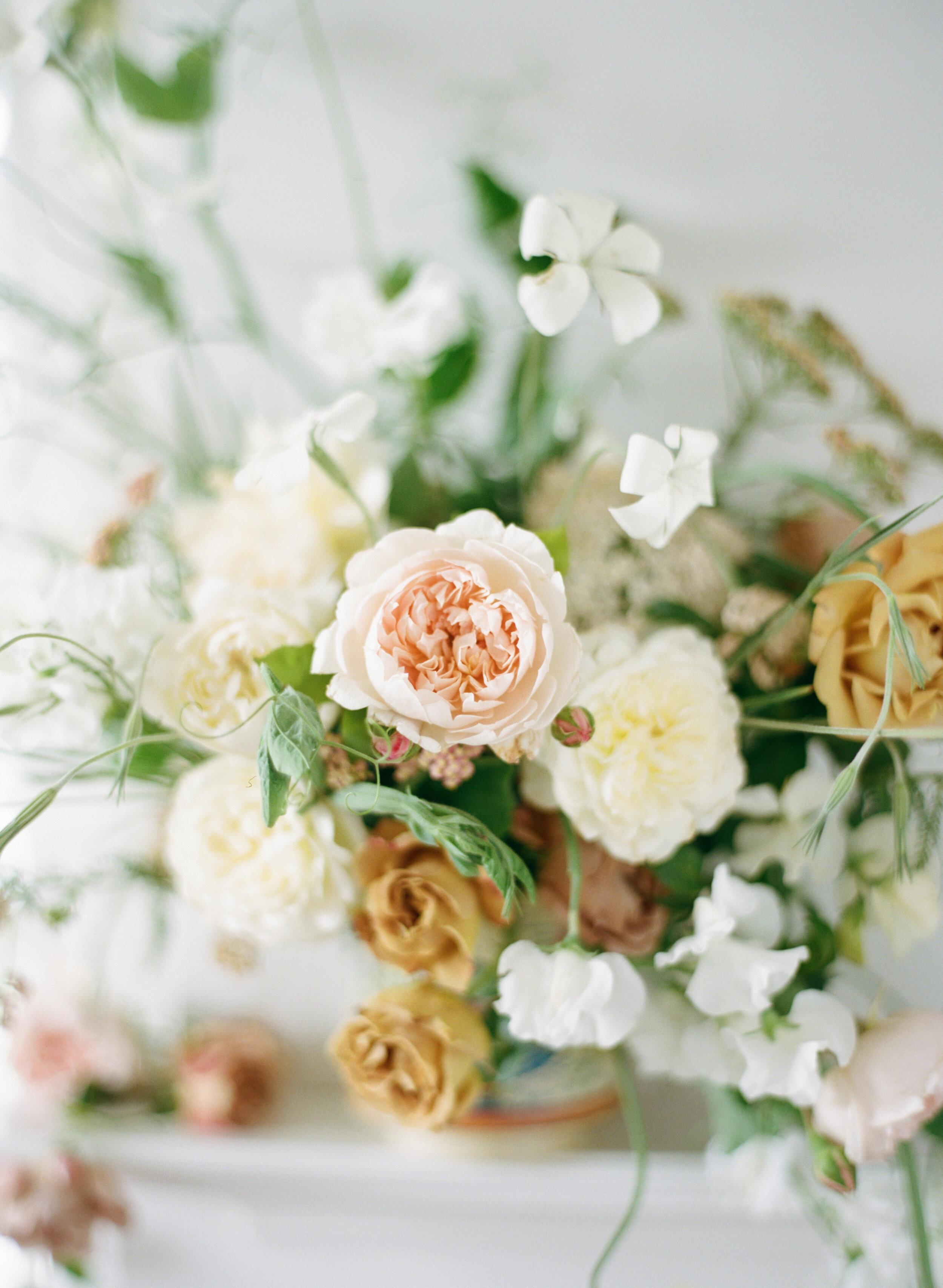 alexandra-meseke-understated-soft-luxury-wedding-upstate-ny_0031.jpg