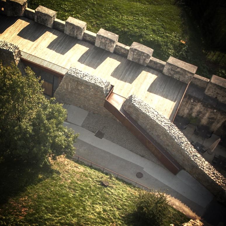 Stari grad Celje - medzidje