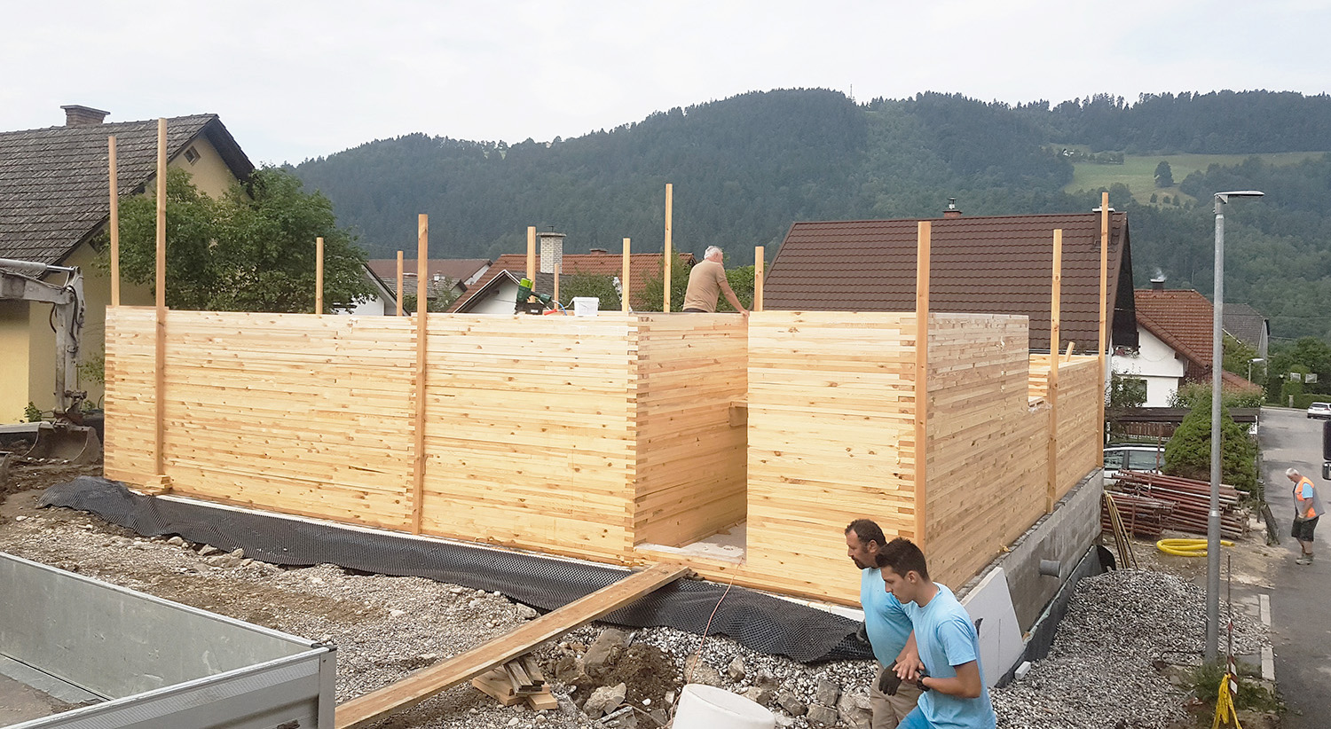 Innovative method of wooden construction - horizontally laminated wood, made on site