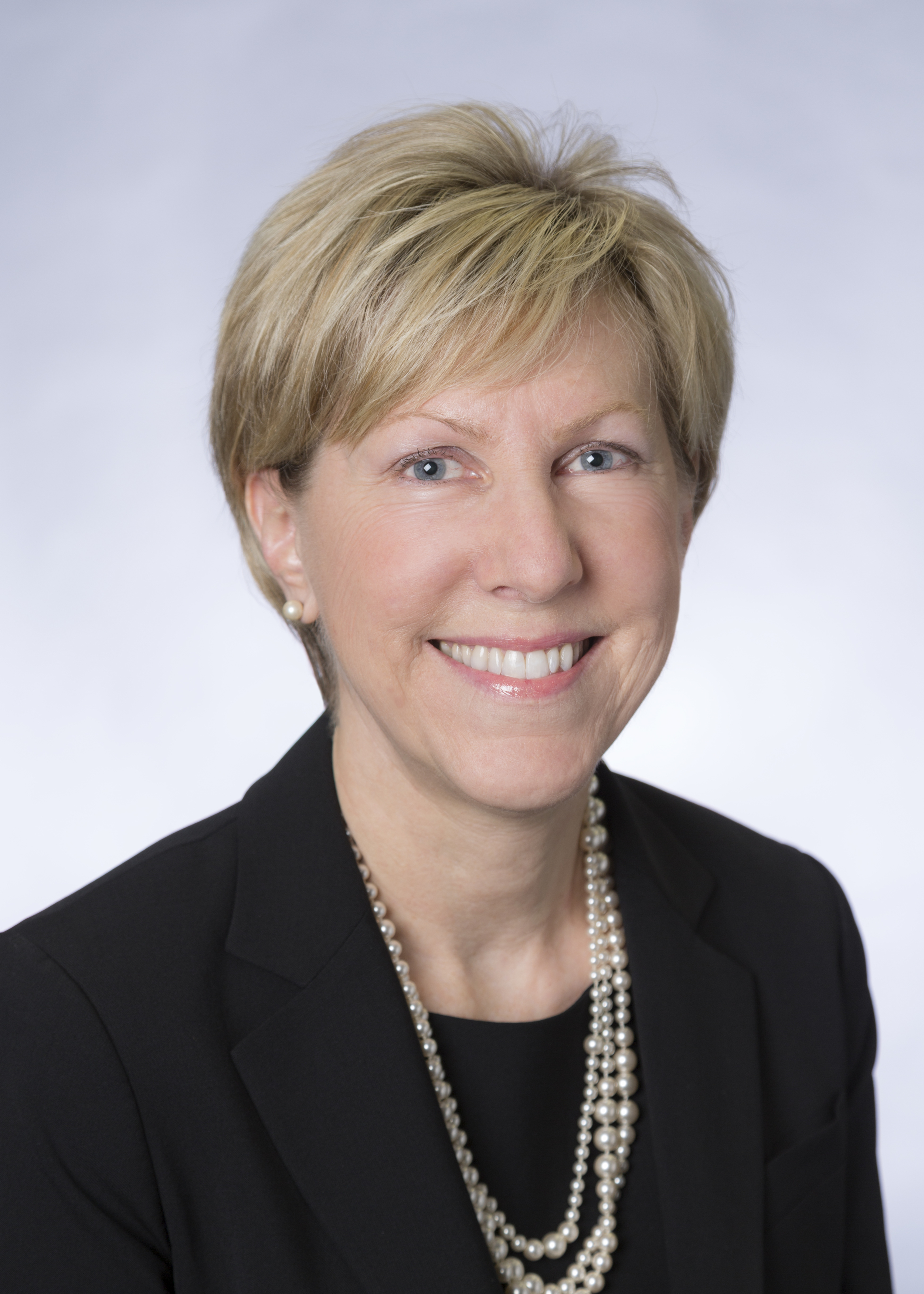 Catherine Lynch, Advancing Women Executives Leader