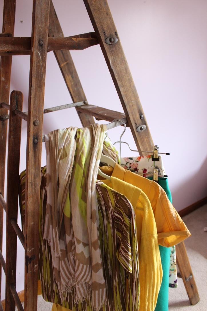 Spring Capsule Wardrobe | Pop Colors | Loveshyla.com