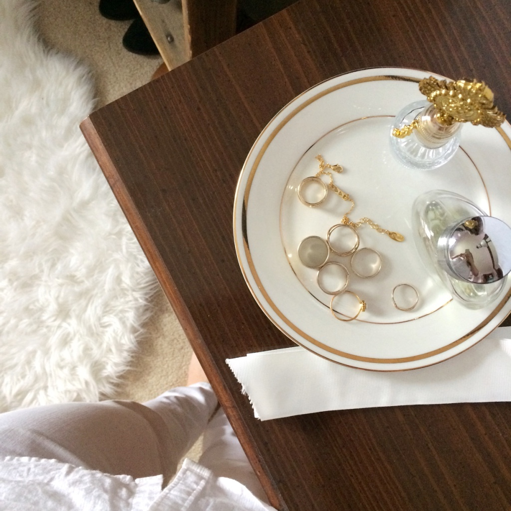 Fall Capsule Wardrobe Roundup | loveshyla.com How To Create A Capsule Wardrobe