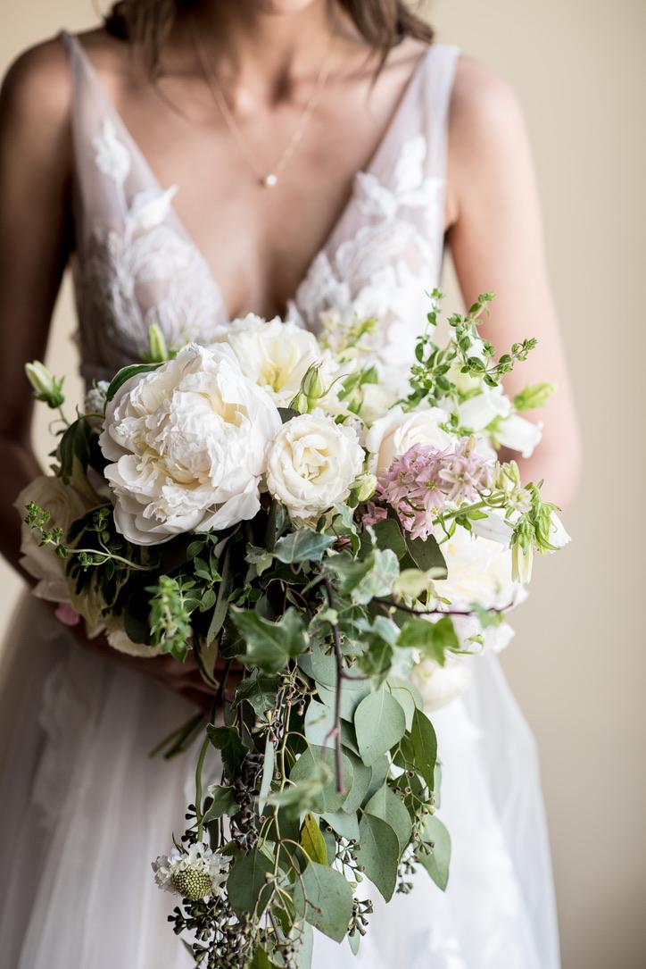 Lush Feminine Wedding Florals | Benton Grove Bed & Breakfast, Morgantown, West Virginia, Flowers: Love Shyla