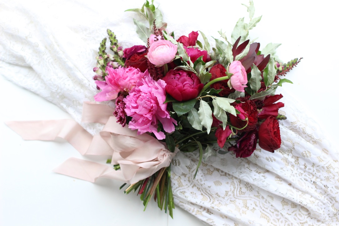 Wine Inspired Vintage Wedding | burgundy, fuchsia, deep wine jewel toned wedding flowers. Lush, natural |  Loveshyla.com