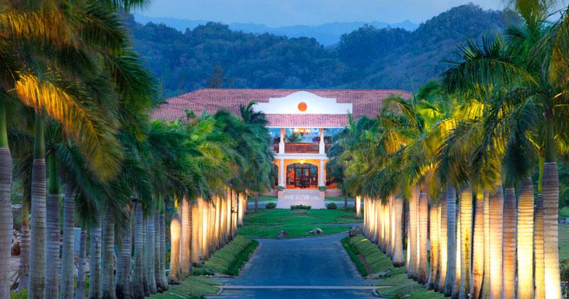 Dorado-Beach-A-Ritz-Carlton-Reserve-Puerto-Rico-0001.jpg