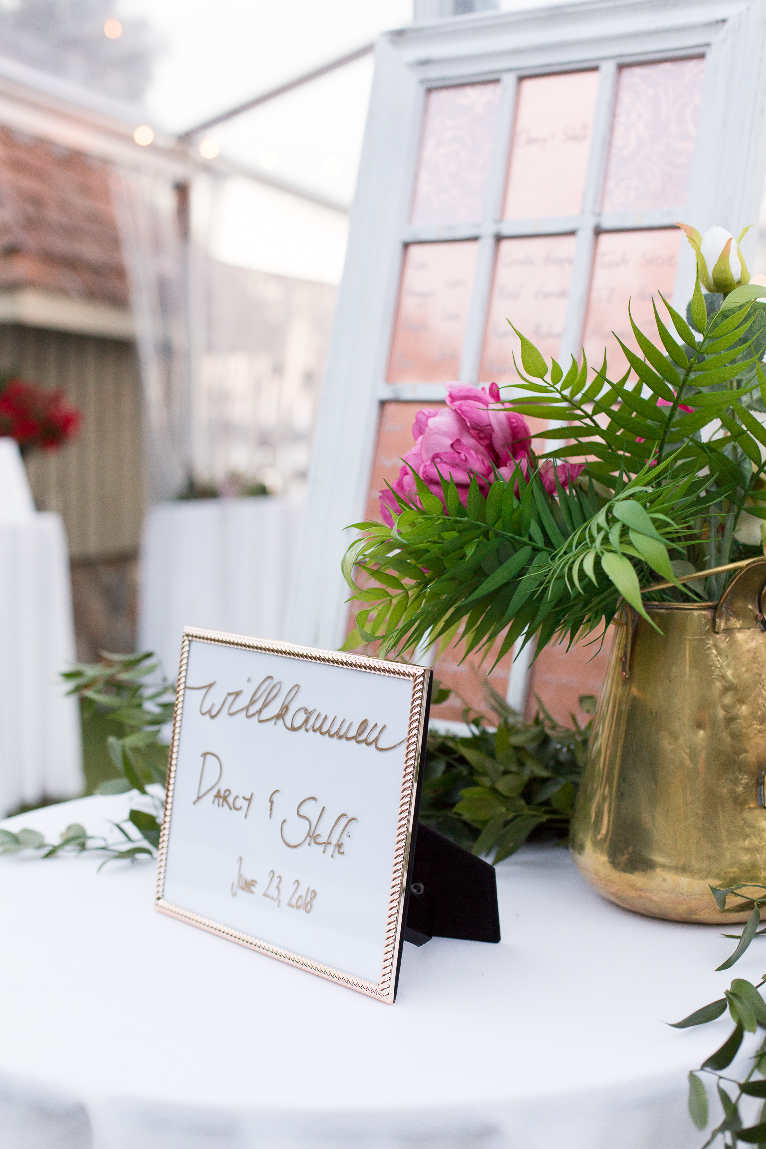 welcome-sign-darcy-steffi-wedding.jpg