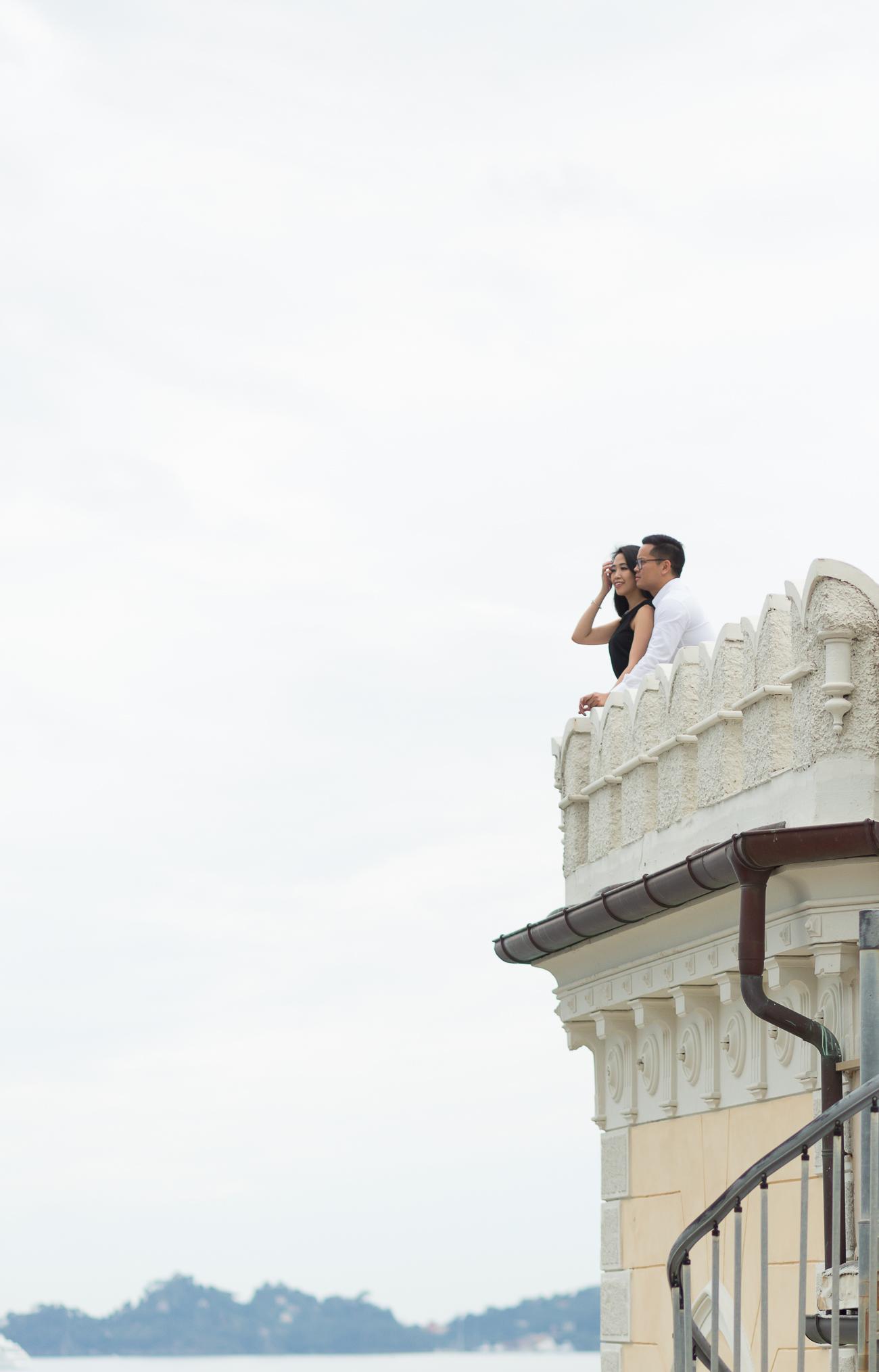 italy-castle-engagement-photoshoot.jpg