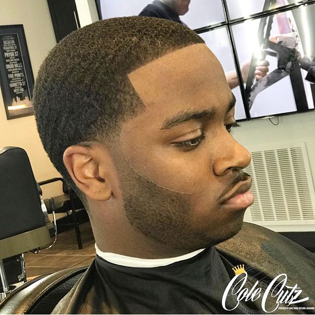 Taper Fade Uniquely Cut by @rosegoldcole 🕴🏽 #wellgroomedmale  #barbershopconnect  #barbersinctv