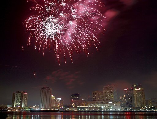fireworks-over-new-orleans-c25dadc29a7b78ce.jpg