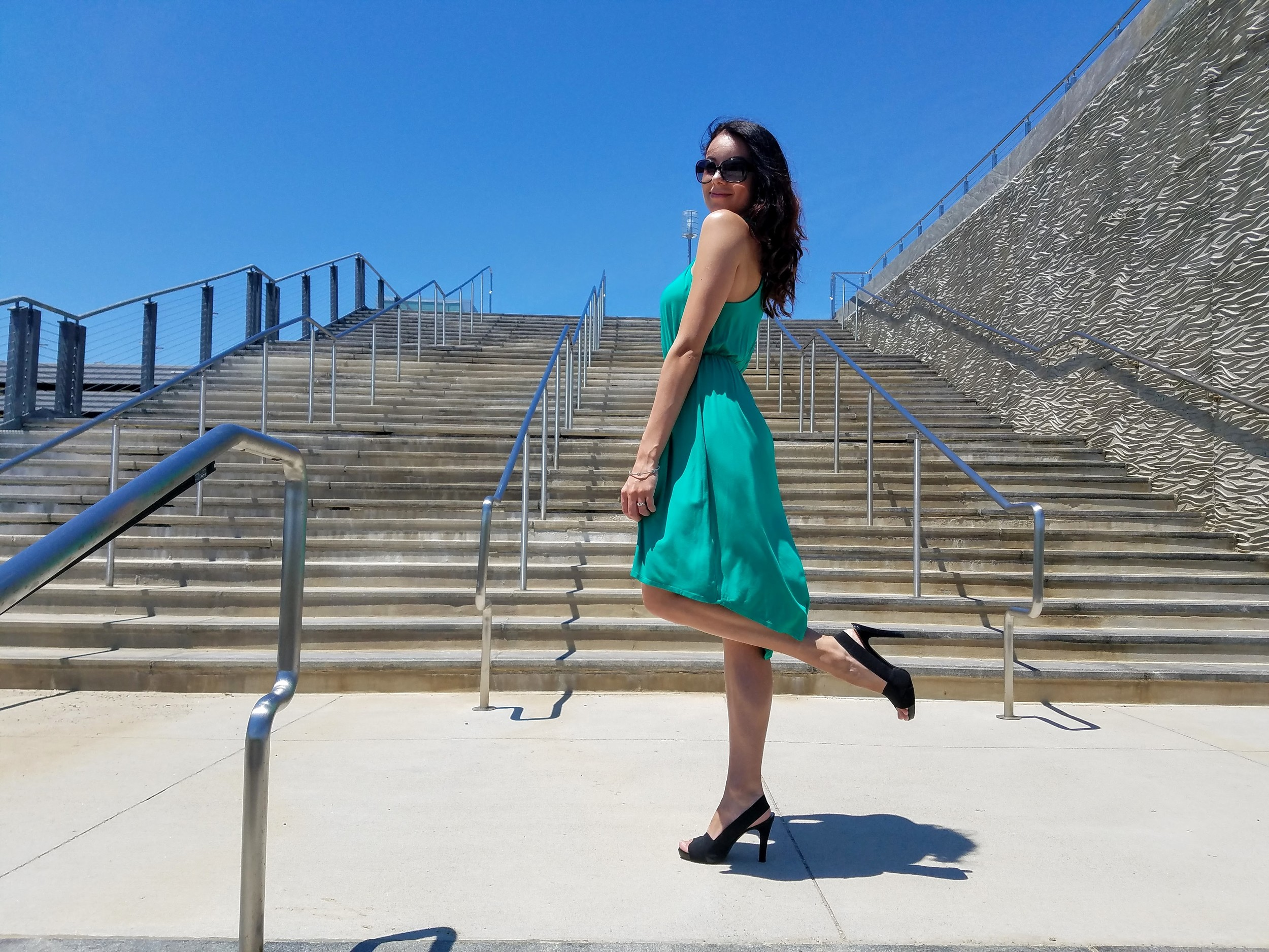 green dress, summer dress, beautiful weather, black sandal heels, fashion, style