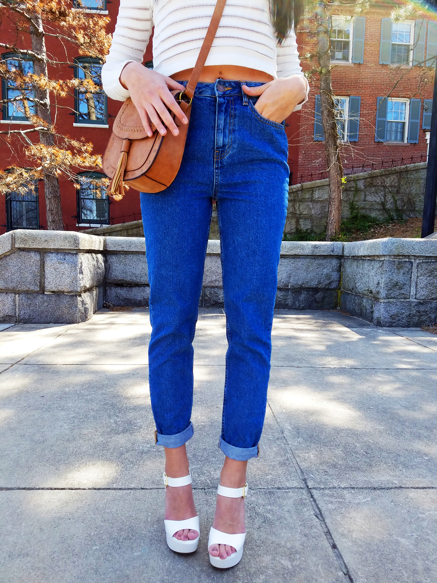 Mom jeans: one of the wardrobe essentials in any girl's closet!