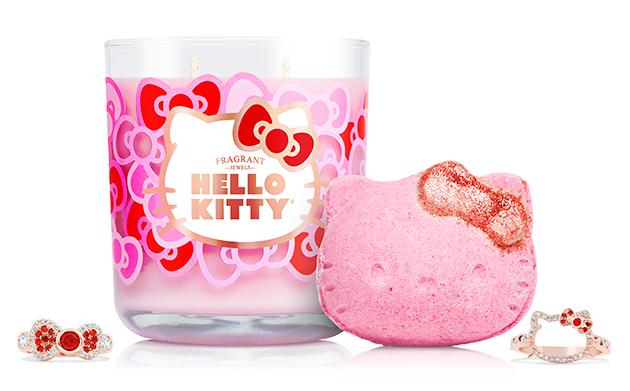 Hello kitty bathbomb and candle.