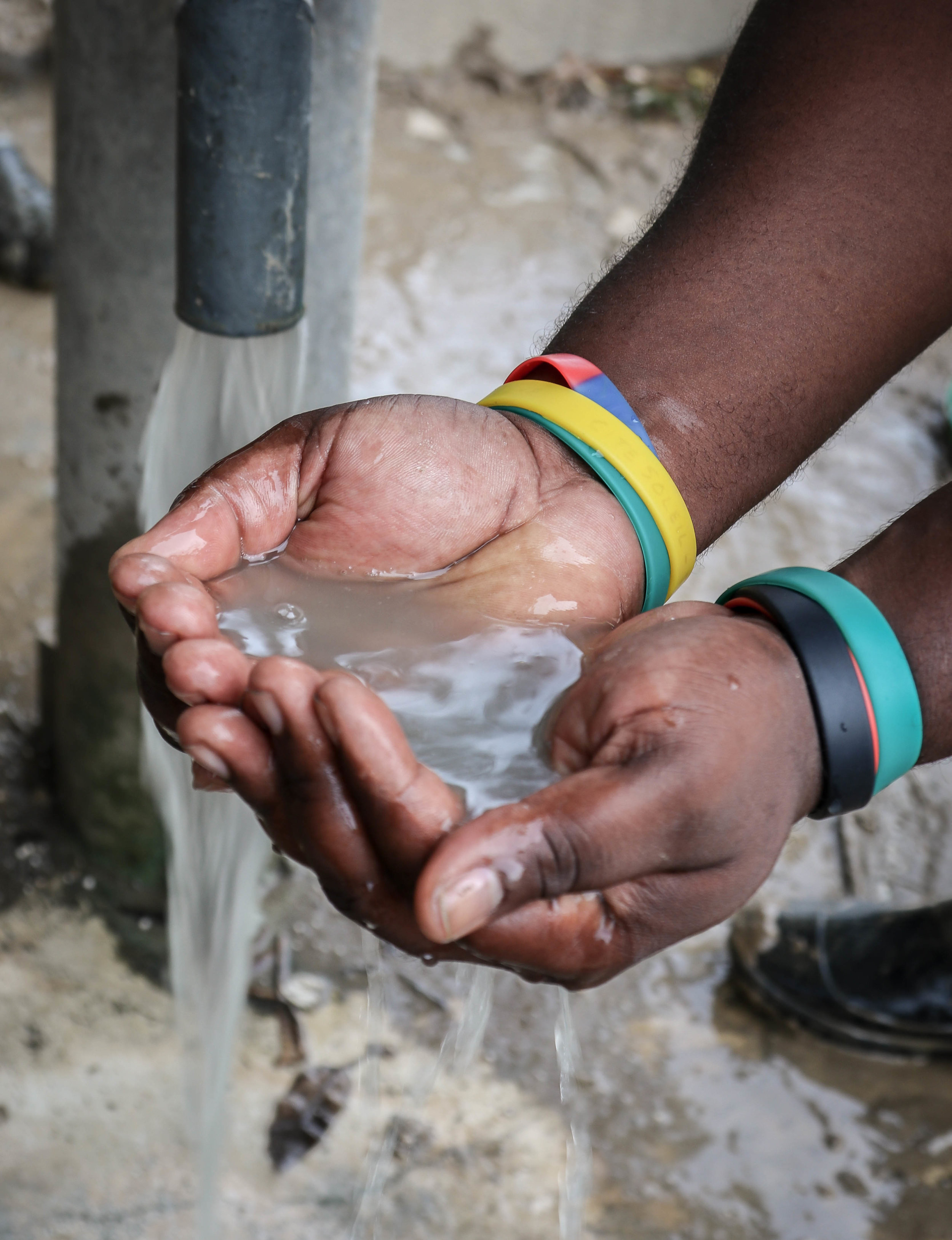 Flooding from Hurricane Matthew contaminated the drinking water for residents in the Voudray community of Cité Soleil, one of the poorest parts of Port-au-Prince.  MCC's rapid response  included water purification tablets.