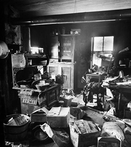 Inside of convicted murderer  Ed Gein 's home, similar to what they said Frank Hammond's home looked like
