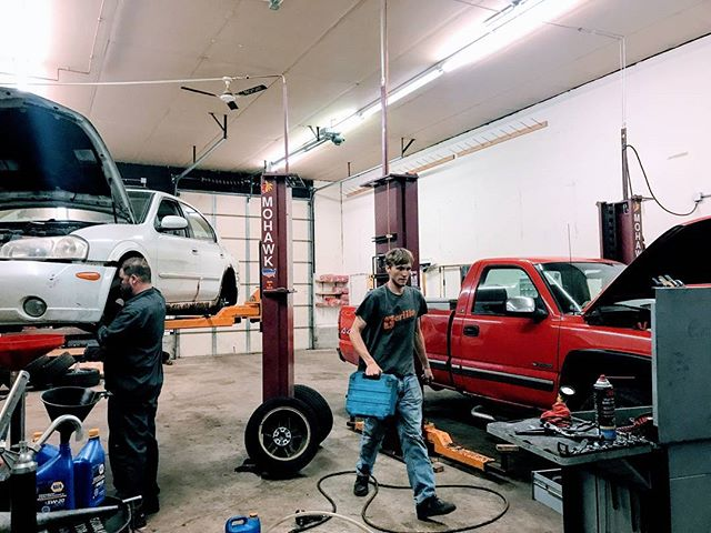 Have you heard? Kyle has a new set of much needed hands at the shop👐 Excited to welcome Trevor to the team! #localmechanic #smallbusiness #stboni #autoshop