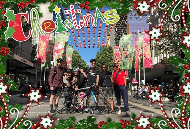 Merry Xmas and HNY from the crew at Momentum Messenger!  Big thanks to everyone that helped us through the year. In particular: @solaqualung87 @abovvegravvity @snephen @still_faffing @slug_benson @yungspookycash  We'll be open as normal next week and through January bar public holidays.  And thanks @blessthefreykks for the snap.