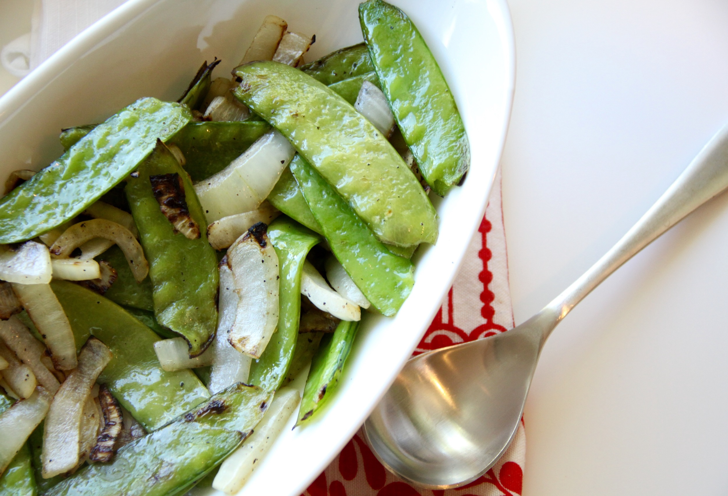 grilled snow peas and onions