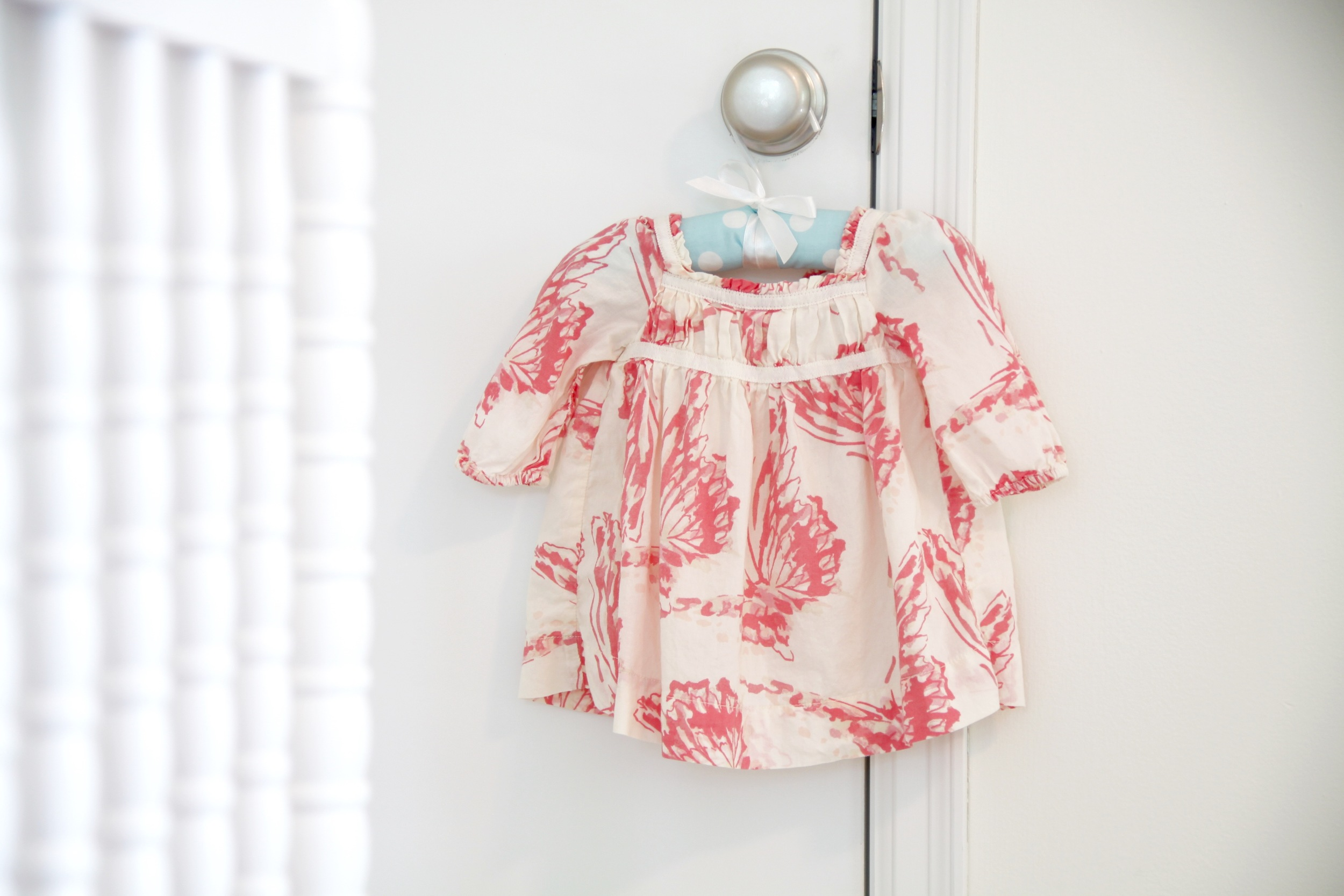 Use Kids Clothes to Decorate a Room