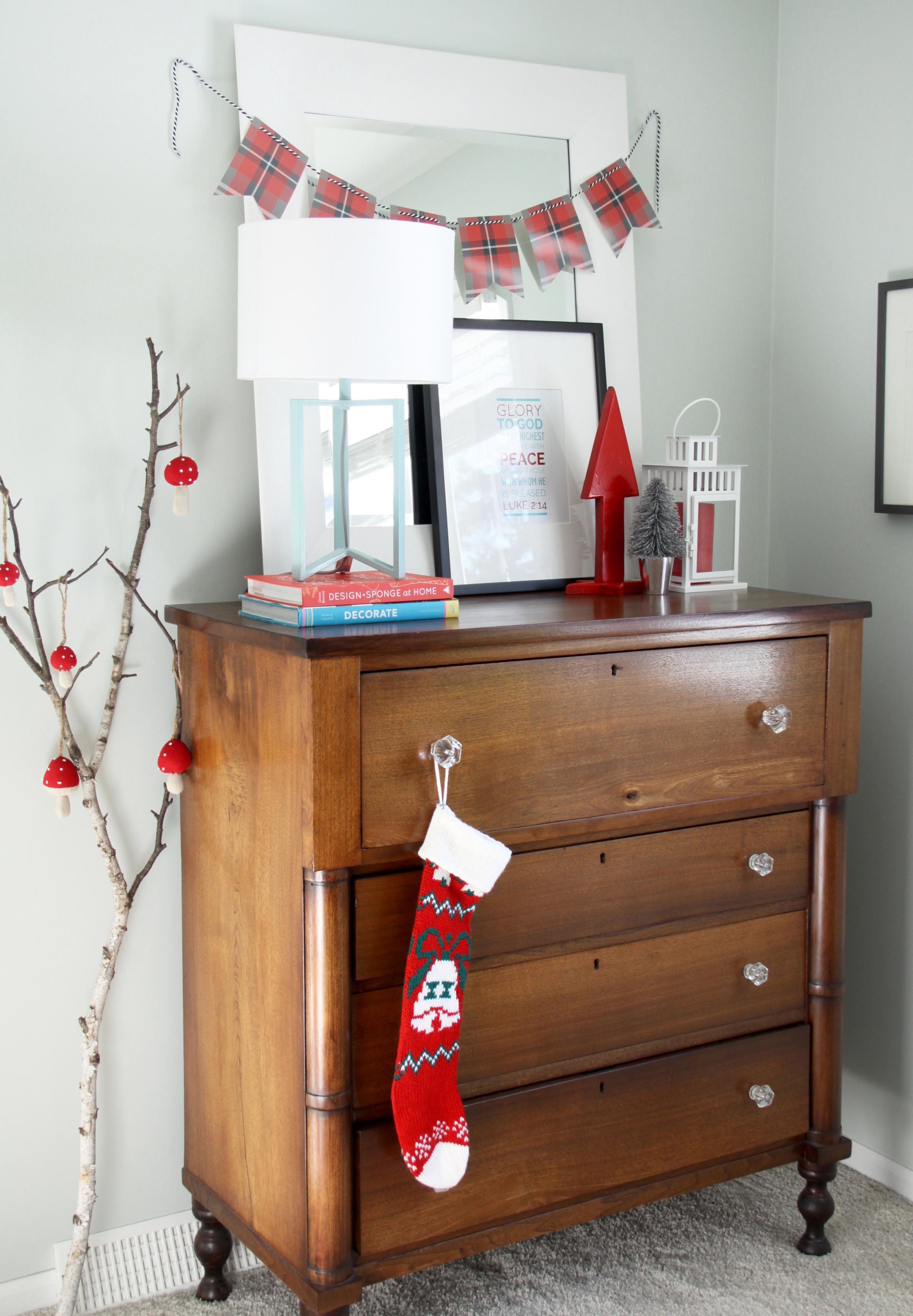 Modern Rustic Christmas Decor with Free Christmas Art Print