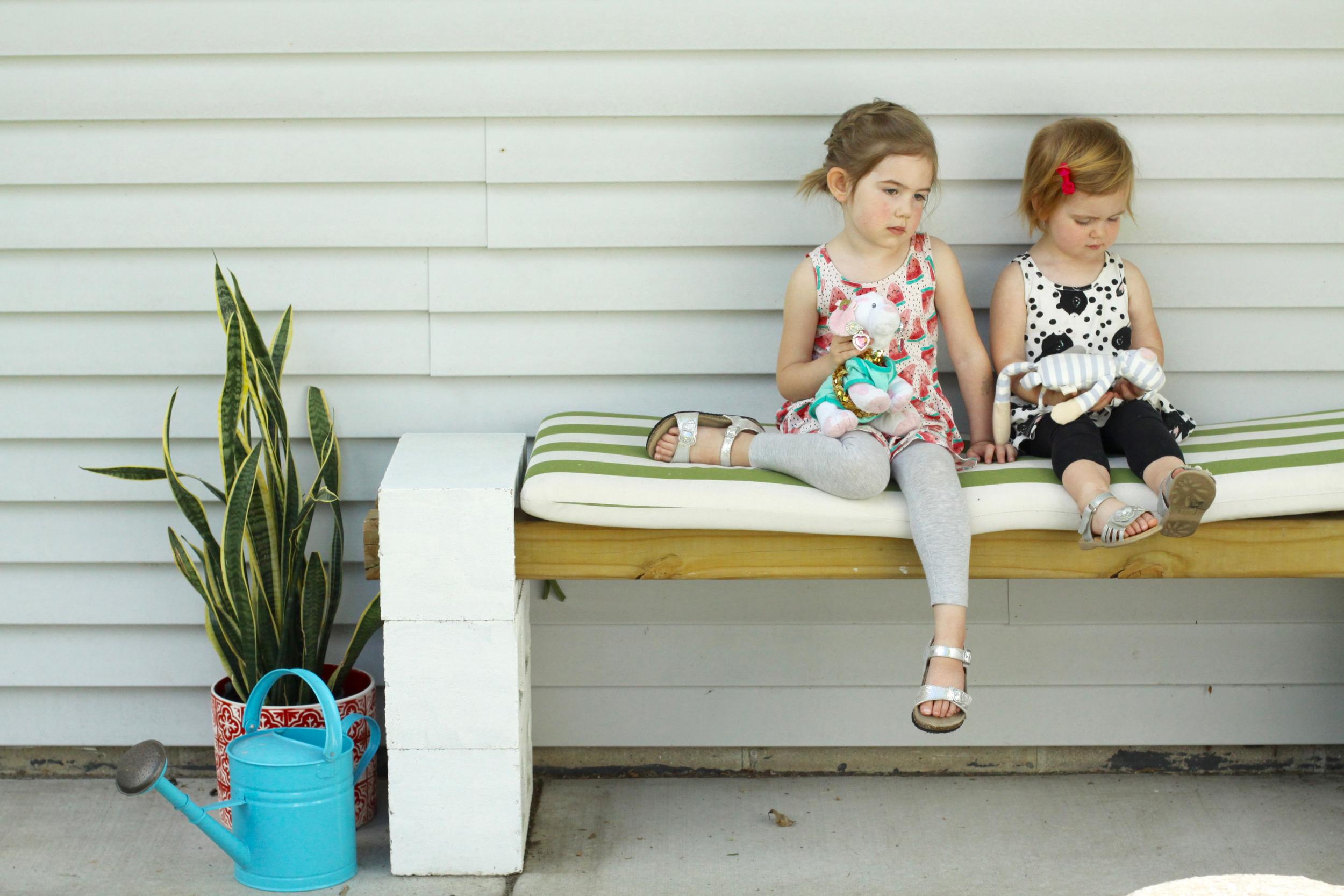 Easy DIY Outdoor Cinder Block Bench