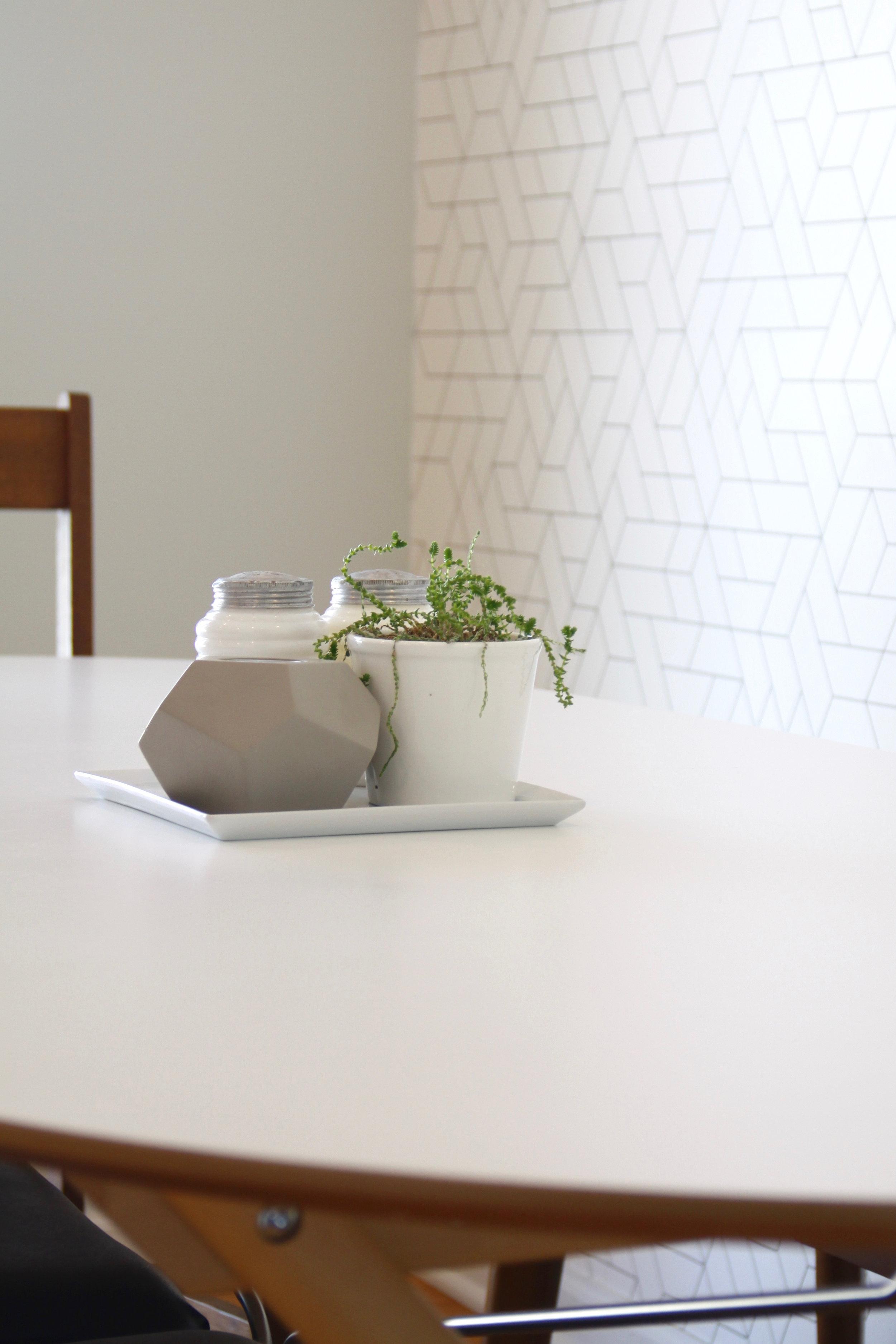 Simple table centerpiece