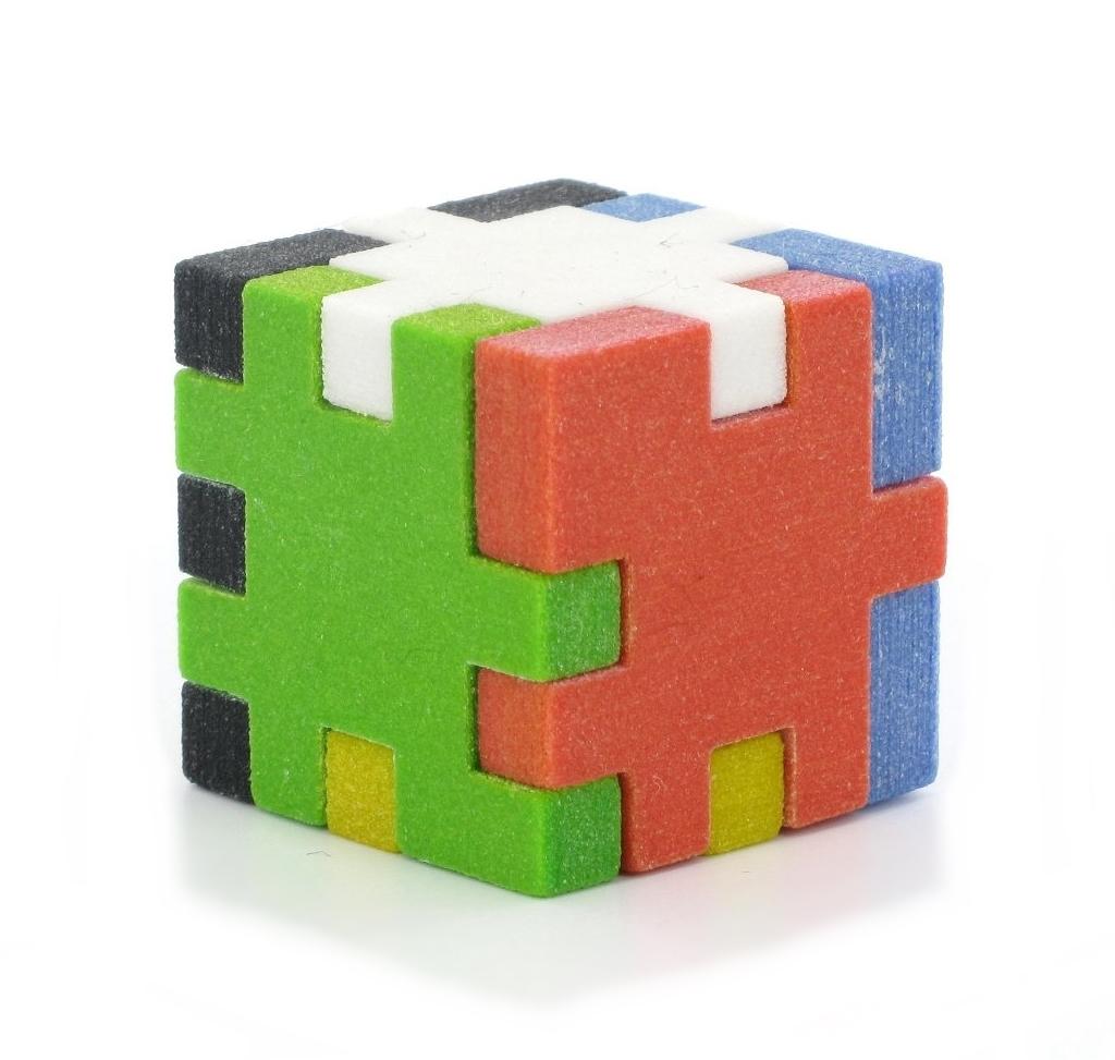 CreativeTools.se - PackshotCreator - 3D printed puzzle