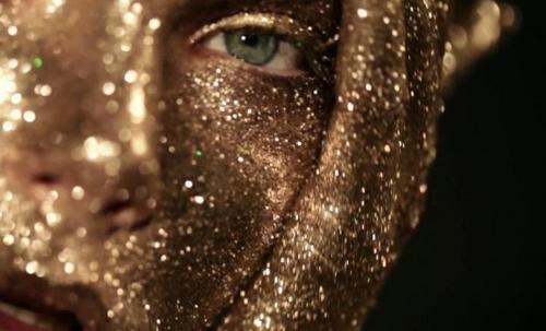 Gustavo-Lopez-Manas-gold-eye.jpg