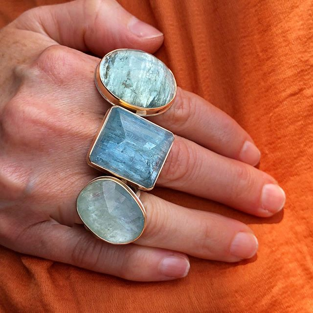 Colors of the sea ✨ available @arislagunabeach #aquamarine #jjpowerrings