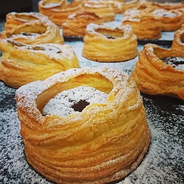 Your favourite dessert on our function menu apple tarte tatin with cinnamon icecream and warm apple butterscotch 🍎 #eatlocalsa #eatlocal #adelaidehills #Adelaide #businesssa #weddingplanner #weddingssa #businesslunch #Instagram #instago #instafood #foodstagram #foodpics #foodporn #pastry #bakery #bakedaily #love #organic #yum  #gourmettraveller #advertiser #glamadelaide #indaily #foodlover #foodie #chef