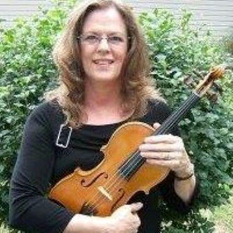 Kathy Perry Headshot.jpg