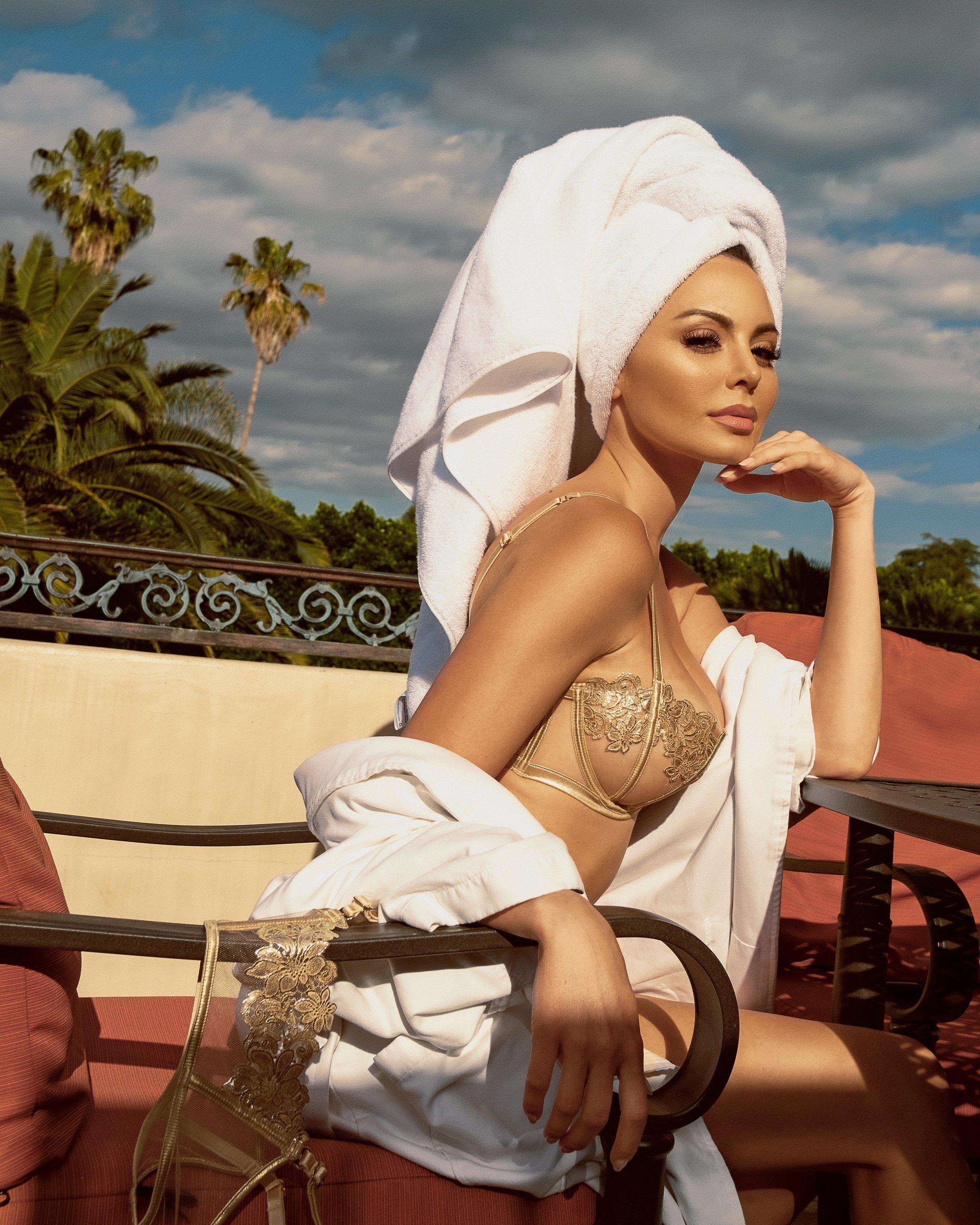 Emelina-White-Towel-Gifted-Mindset-Photography-2.jpg