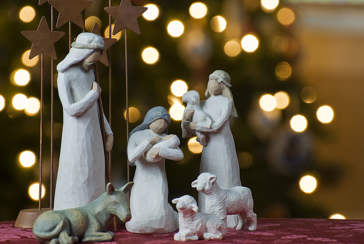 1200px-Nativity_tree2011.jpg