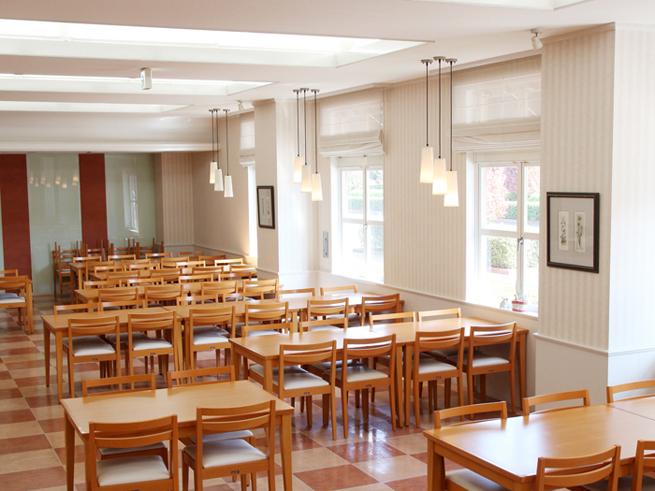 tulip_foodroom.jpg
