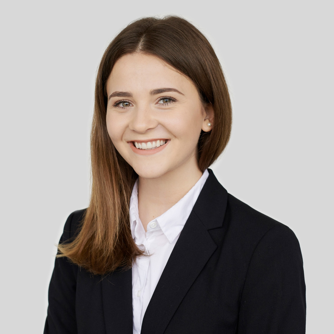 Hume Ibrahimi  (*1997)  · Bachelor of Science (UAS) Zurich in Business Law  · Commercial Employee with a Swiss federal baccalaureate