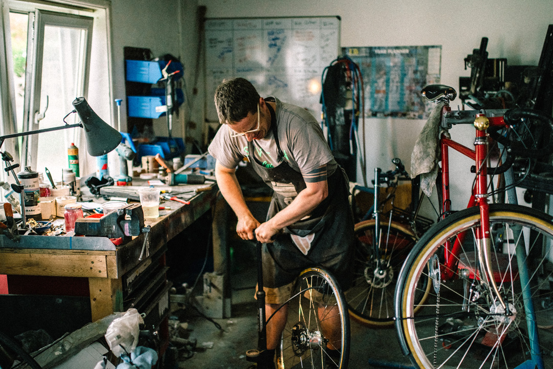 Sven Cycles Bike Building