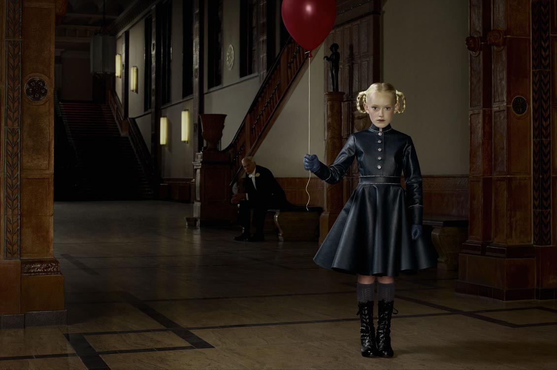Erwin Olaf, Berlin, rathaus Schoneberg, 9 Juli, 2012 - Courtesy the artist and Rabouan Moussion Gallery Paris