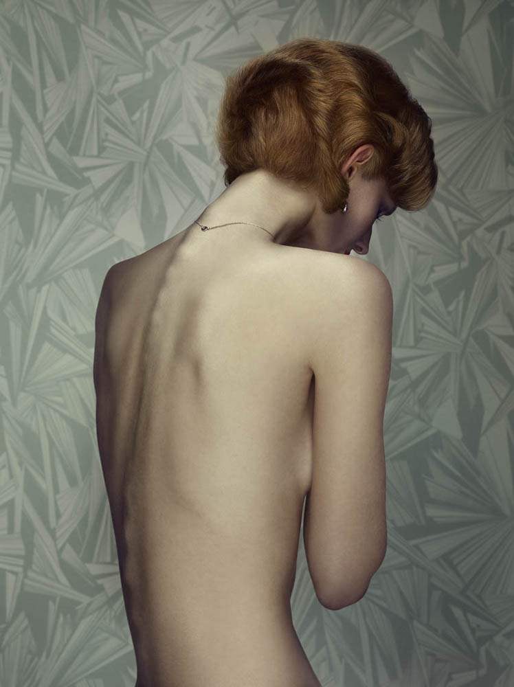 Erwin Olaf, Keyhole 5, 2011,Paris - Courtesy the artist and Rabouan Moussion Gallery Paris