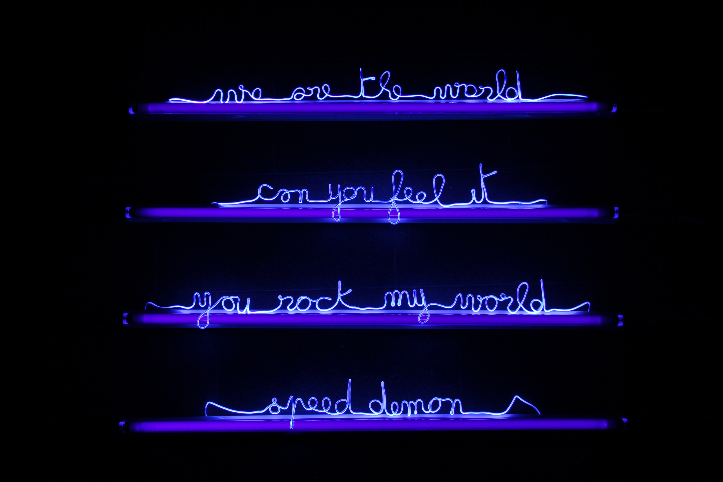Florence Cantié Kramer, Hommage, Neon , 2012 - Courtesy the artist and Rabouan Moussion Gallery Paris