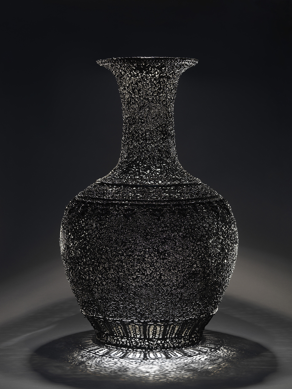 Hidden, 2007, 98 cm  Courtesy the artist and Galerie Rabouan Moussion