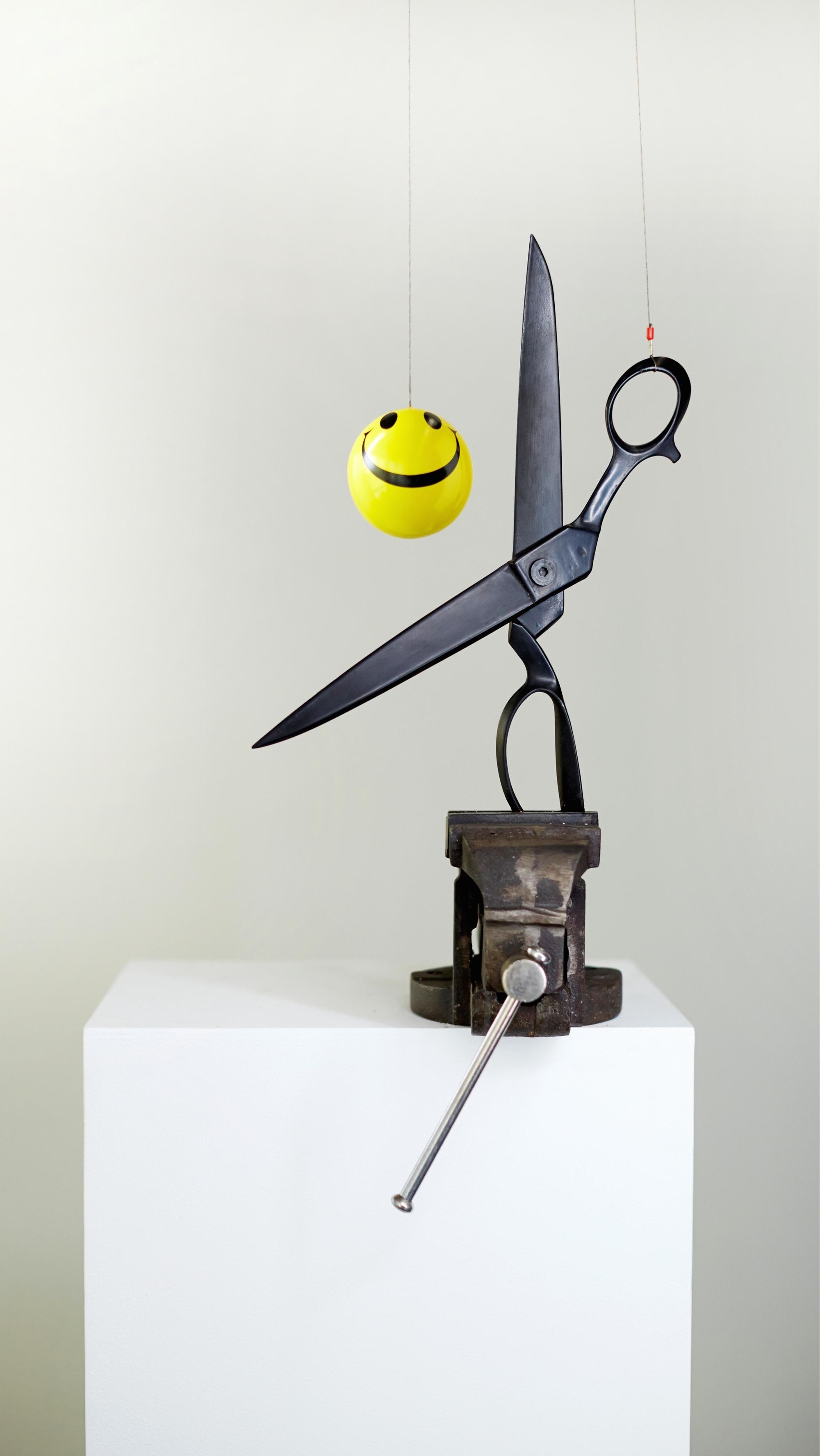 Sunil Gawde-id-od-14- (smiley and scissors)2.jpg