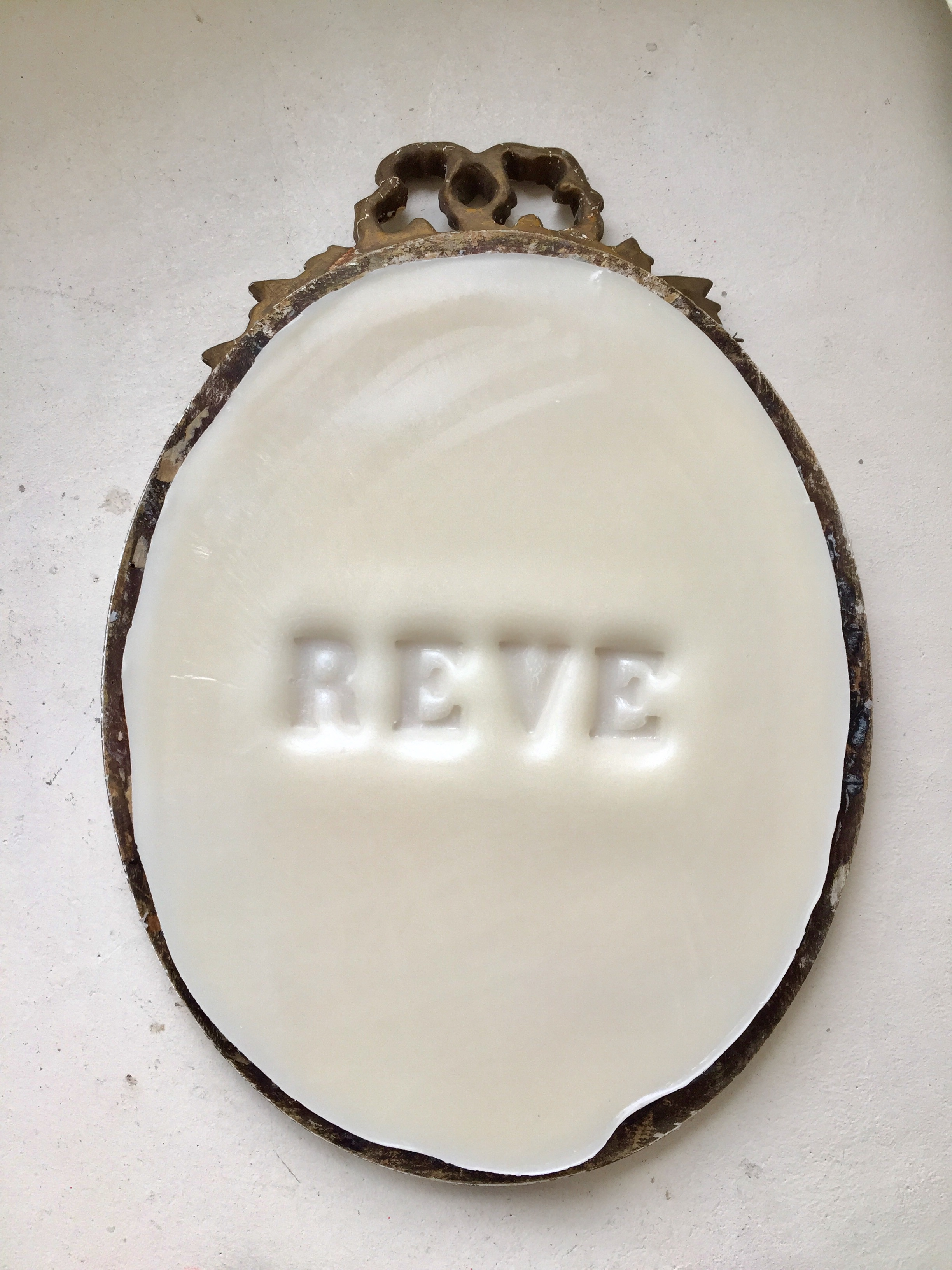 RÊVE, 2018, wax and ancient frame